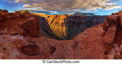 Raw beauty of the Grand Canyon