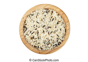 brown rice in wooden plate