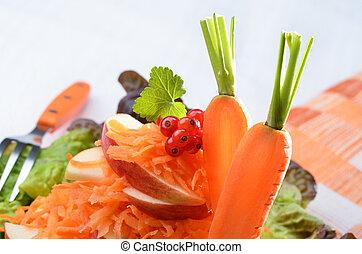 Raw carotte salad - Salad of carottes, apples, lettuce