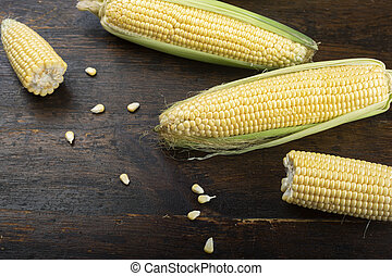 raw corn on the table