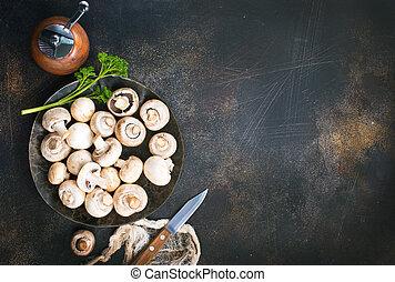 champignons - raw mushrooms, raw champignons, champignons on...