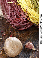 raw spaghetti with vegetables