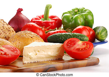 Raw vegetables and cheese