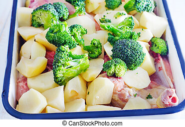 raw vegetables with meat