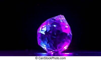rayons, noir, motion., lumière, glare., facetté, grand, pierre, multi, lent, arrière-plan., éclat, tourne, créer, diamant, chatoiement, haut., violet, fin, facettes