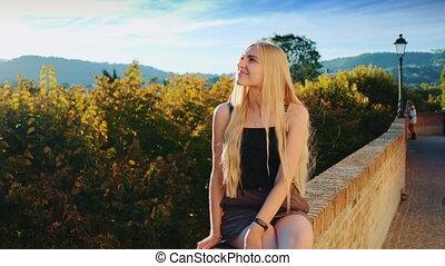 rayons, soleil souriant, blond, dame, délassant