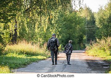 razem, syn, ojciec, pieszy, forest., droga, polowanie, razem.