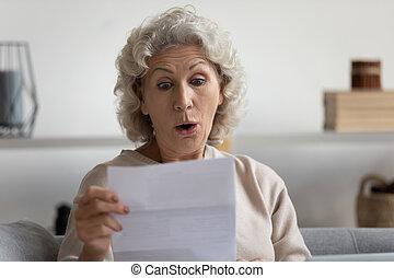 reçu, grand-mère, accentué, compte, balance., plus vieux, banque