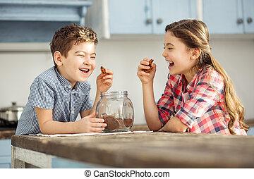 reír, niños, teniendo, algunos, galletas