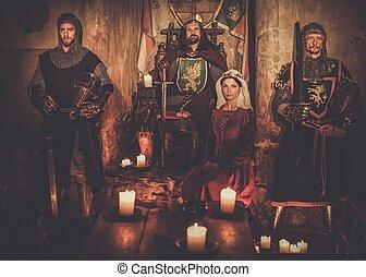 re, suo, medievale, regina, guardia, antico, interior., cavalieri, castello