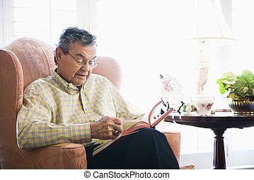 reading., hombre maduro
