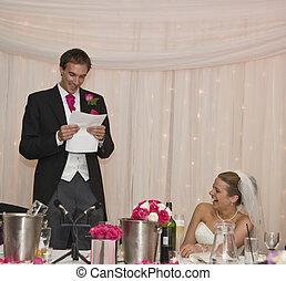 real, caretas, jovem, noiva, groom's, fala, atraente, recepção, casório, durante