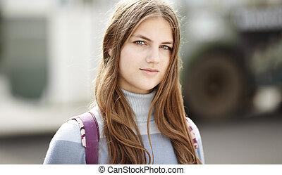 real, menina adolescente