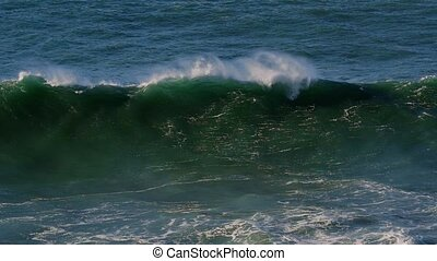 Real Slow Motion - Huge Waves At Portuguese Coasts - 100fps...