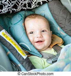 rear-facing, buckled, sede automobile, bambino, felice