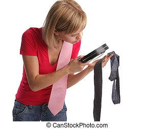 recherche, épouse, 6, jaloux, cravate, preuves, attentivement, considère, mari