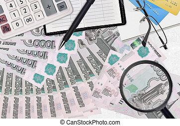 recherche, investissement, impôt, solutions., rubles, lunettes, paiement, calculatrice, salaire, ou, saison, 1000, factures, élevé, métier, pen., russe, concept