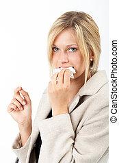 Rechnung essen - Junge Frau isst eine Rechnung