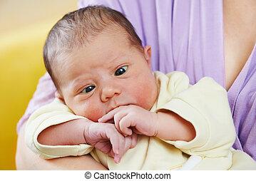 recién nacido, bebé, estrabismo