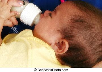 recién nacido, botella