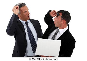 recognizing, homens negócios, outro, um