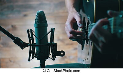 Recording Acoustic Guitar in Microphone on the Home Studio