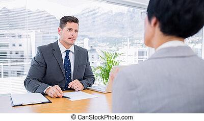 recruteur, vérification, les, candidat, pendant, entretien travail
