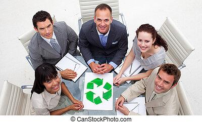 recyclage, équipe, symbole, business, regarder, haut angle