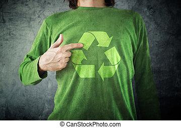 recycle., 人指, 到, 回收 標誌, 列印, 上, 他的, 襯衫