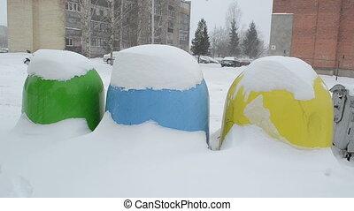 recycle bin blizzard snow