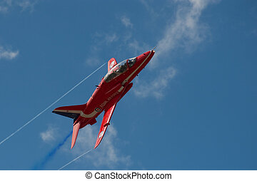 Red Arrow - Banking maneuver by a Red Arrows aerobatic...
