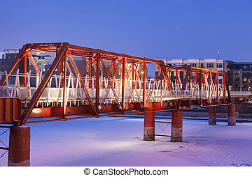 Red bridge in Des Moines - Red bridge in over Des Moines ...