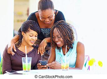 red, feliz, amigos, africano, charlar, social