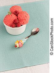 Red fruits ice cream
