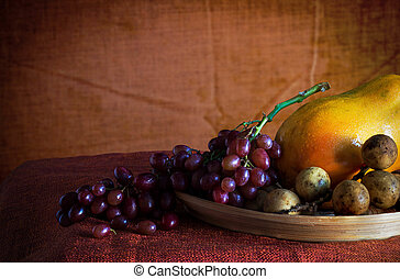 Red grapes on a tray