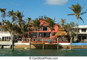 Red House by the sea - Expensive water front houses in ...
