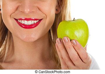 Red lips & fresh green apple