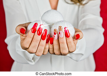 red nails decorated for your fantastic Christmas