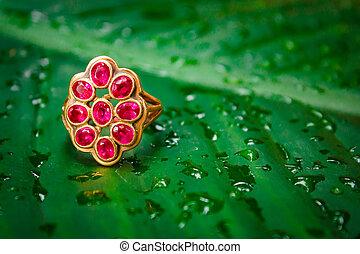 Red sapphire ring gold. - Red sapphire ring gold, gem thai...
