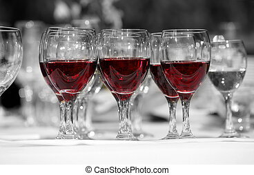 Red wine - Wine glasses with red wine in lines