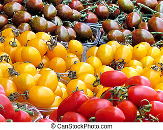 Red, yellow and brown tomatoes - Red, yellow and brown...