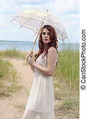 redhead, skugga, kvinna, strand, parasoll