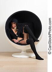 redondo, cadeira, loura, roupa interior, sentando, mulher