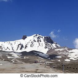 refúgio esqui, em, primavera, em, agradável, sol, dia