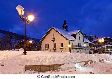 refúgio esqui, megeve, em, alpes francês, à noite