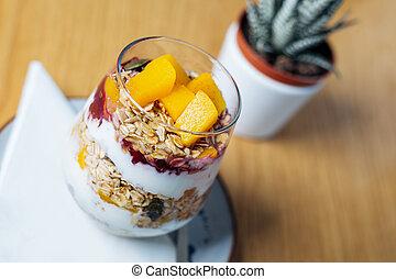 refeição saudável, feito, de, granola, yogurt, e, fruits., gostosa, alimento, para, breakfast.