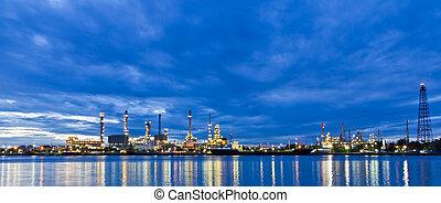 refinaria óleo, planta, ao longo, rio, em, bangkok
