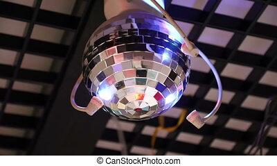 refléter balle, plafond, shimmers, tourne, disco