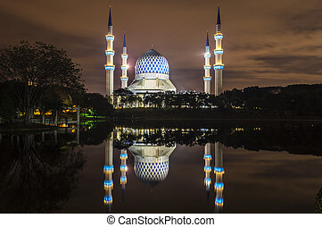 "Reflection of Masjid Sultan Salahuddin Abdul Aziz Shah - The ""Bl"
