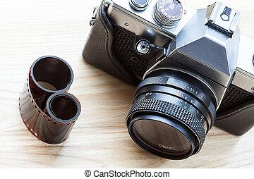 Reflex analogue camera - A stylish reflex analogue camera ...